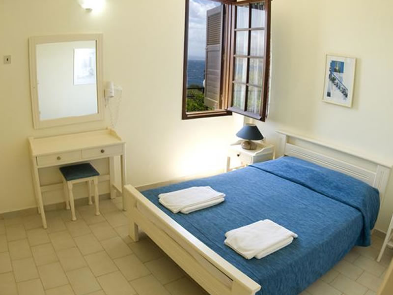 https://www.alianthos-suites.gr/wp-content/uploads/2016/02/chania-two-bedroom-apartment.jpg